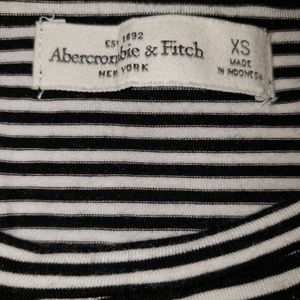 Abercrombie & Fitch Tops - 🌴3 For $20 SALE🌴Abercrombie crop striped shirt